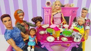 Barbie ve Ailesi Bölüm 121 - Can ve Ceren Oruç Tutuyor - Çizgi film tadında Barbie oyunları