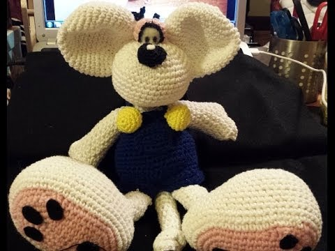 Pupazzo di Neve Amigurumi (tutorial) - YouTube | 360x480