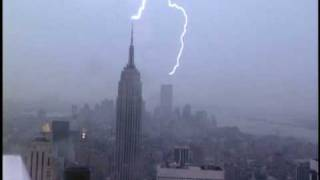 Lightning strikes Empire State Building & World Trade Center