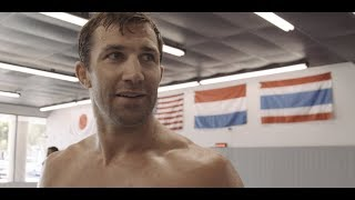 4 Days to UFC 221: Luke Rockhold sparring and teaching kicking techniques