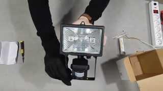 Обзор прожектора 150w ИО 150Д IP54 IEK(Галогенный прожектор ИО 150Д IP54 IEK с датчиком движения, мощностью 150w и степенью защиты IP54. Внешний вид, упаков..., 2015-04-08T06:33:58.000Z)
