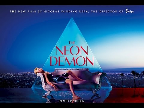 The Neon Demon Review.