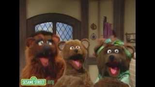 Sesame Street: Bears, Bears, Bears