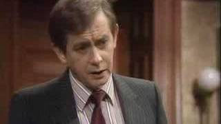 The empty hospital - Yes Minister - BBC comedy