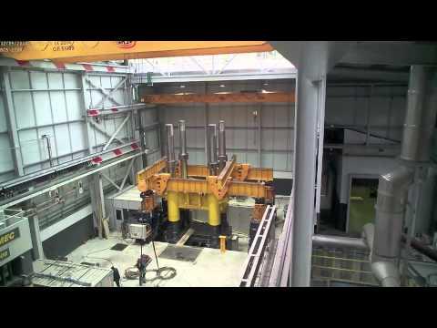 How is built a 10.000Tn forging hydraulic press?