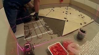 видео Укладка мозаики: как уложить плитку своими руками?