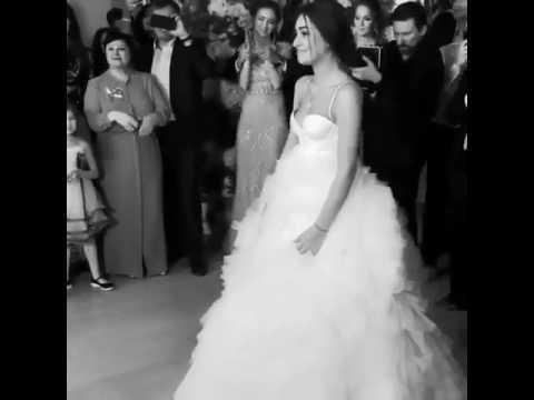 У нас будет сын, потом дочь, потом сын, потом дочь, потом добро всем пожаловать на мою-твою-нашу свадьбу.