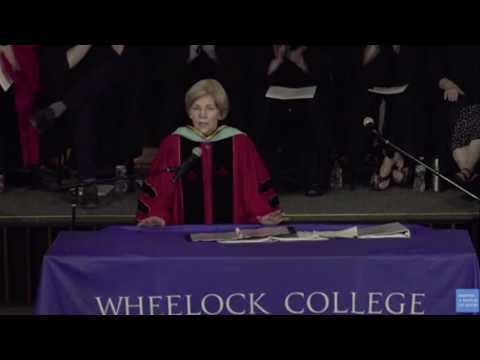 Thumbnail: Sen. Warren calls on graduating students to get involved in politics