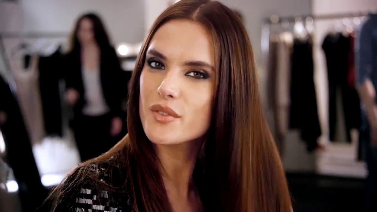 Alessandra Ambrosio's Vibrant & Visible Hair Color by L ...