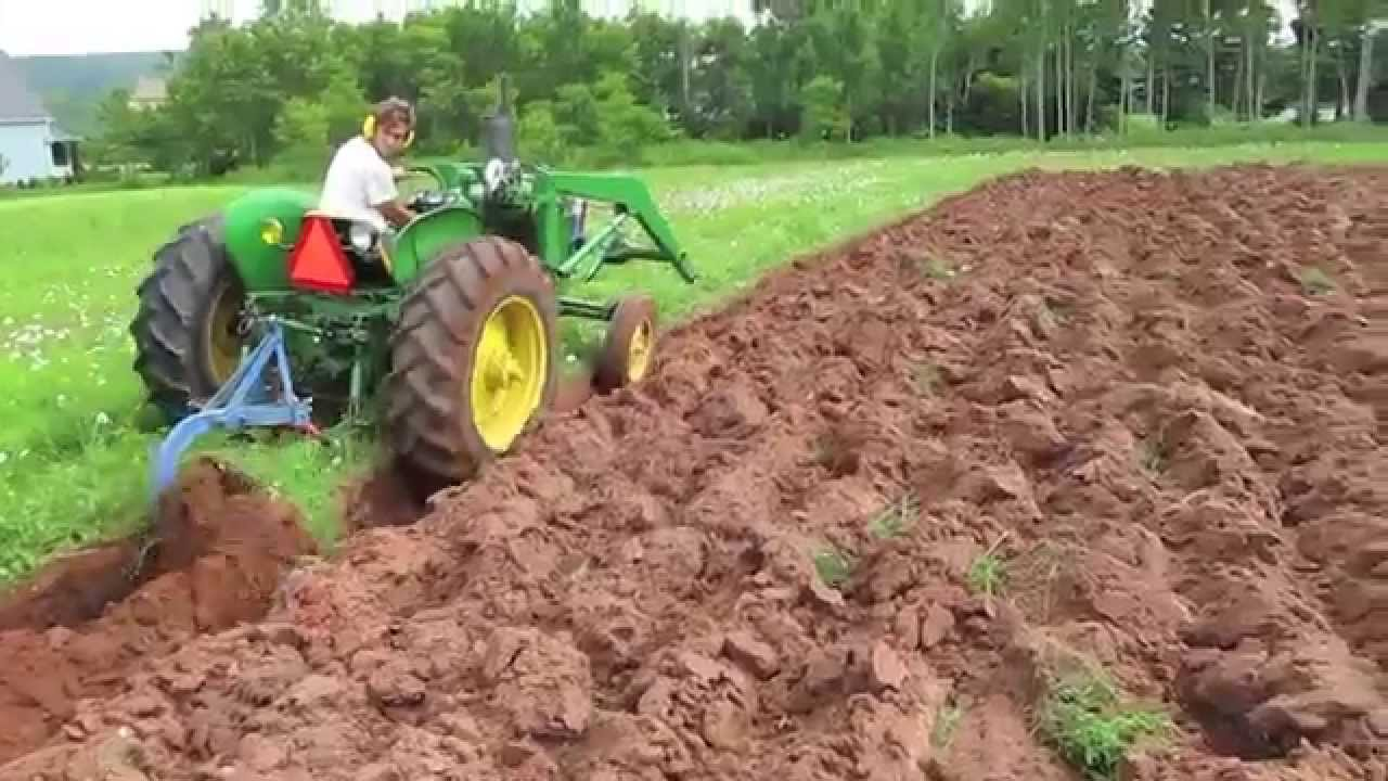 John Deere 1010 Plowing 1 16 Youtube