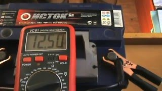 видео Как проверить аккумулятора автомобиля на работоспособность мультиметром, нагрузочной вилкой