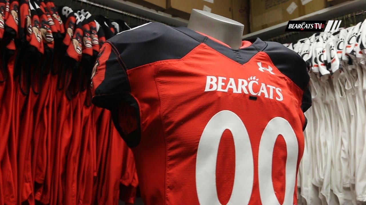hot sale online 05d72 d8c77 Cincinnati Bearcats' Red Jersey Release