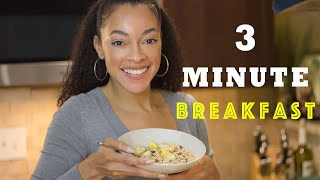 QUICK & EASY BREAKFAST | Delicious Quick Oatmeal with Fruit