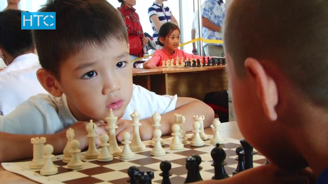 Картинки по запросу фото дети играют в шахматном турнире