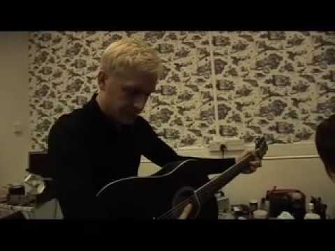 Mr Hudson - Live Backstage (MTV's Music Junkie Show)
