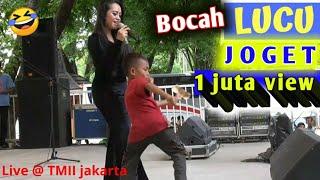 Asli bikin ngakakak ,joget asik Lucu ~ Funny little boy dancing