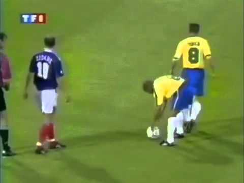 Roberto Carlos' Best Goal - Free Kick Goal vs France Tournoi de France 1997!