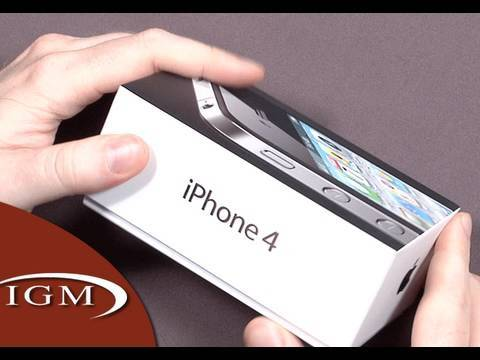 Apple iPhone 4 First Look (Unboxing)