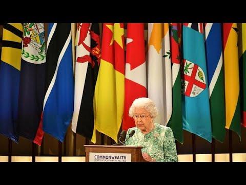 Rainha Isabel II apoia Carlos para a liderança da Commonwealth