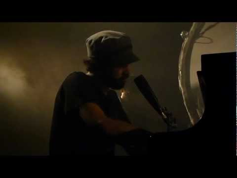 Patrick Watson Sit Down Beside Me @ Cabaret Sauvage