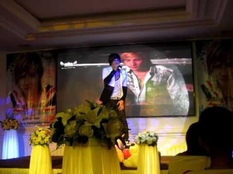 [LIve]Ai sẽ yêu thật lòng-offline Lâm Chấn Khang 19/08/2012