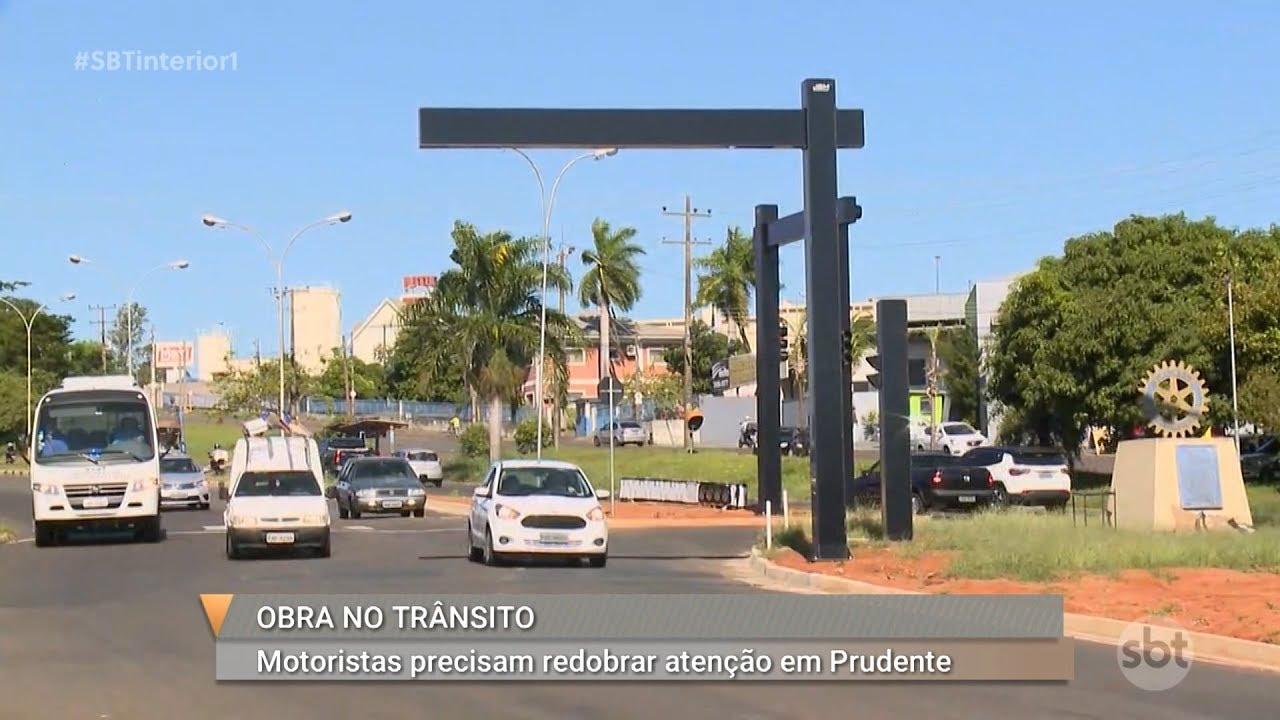 Empresa faz instalação de novos semáforos em rodovia de Presidente Prudente