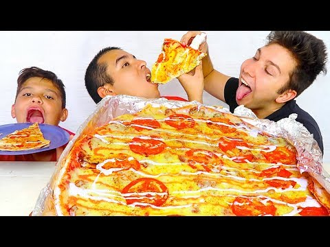Huge XXXL Creamy Alfredo Pizza Challenge • MUKBANG