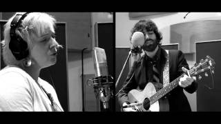 """Vandaveer: """"Fistful of Swoon"""" (Live Groupee Session)"""