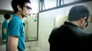 Repeat youtube video วัดกันในห้องน้ำชาย