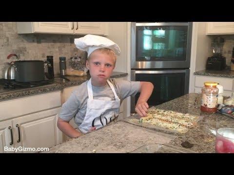 dancing-kid-makes-lasagna!-🤣