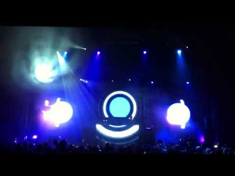 Orbital - halcyon and on and on - live in Moscow 2012