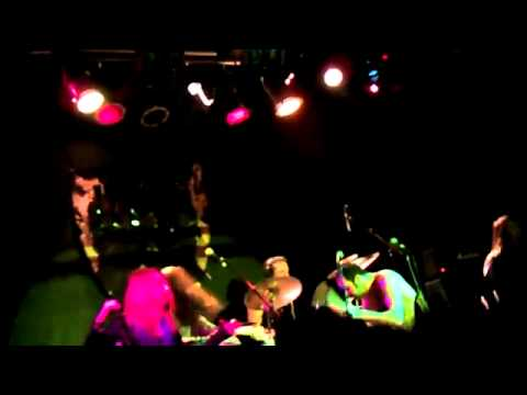 Crystal Fighters - I Love London (Live @KGB)