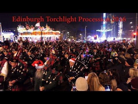 edinburgh-torchlight-procession-2016