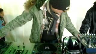 2012 03 18 羽生PA下り ピストン西沢DJイベント 03 DJアクション.