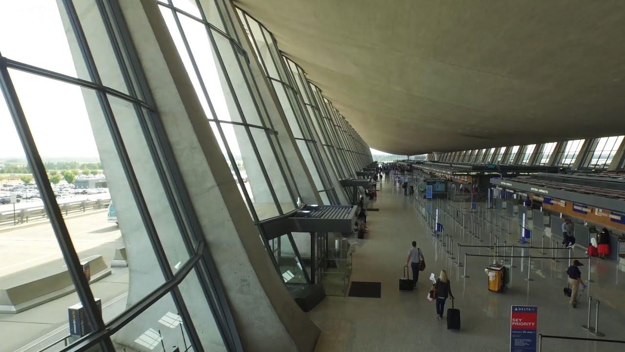 Eero Saarinen's revolutionary design of the Dulles ...