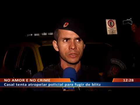 DF ALERTA - Casal tenta atropelar policial para fugir de blitz