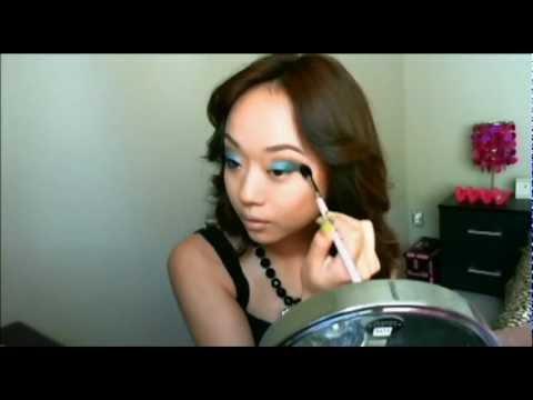 EVENING Makeup: Dramatic Turquoise eyes