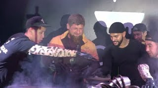 «Гроззные» бургеры  Кадыров побывал на открытии ресторана Тимати в столице Чечни