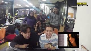 Reaksi Tarra Budiman & Ayushita Nonton Video Clip BBB dan TREEJI!