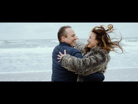 KOM NU MAAR IN M'N ARMEN - Frans Bauer - Officiële Videoclip