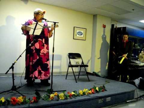 Simone Sings at Hawai