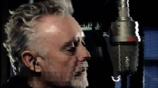 [HD] Roger Taylor - The Unblinking Eye (Everything Is Broken)