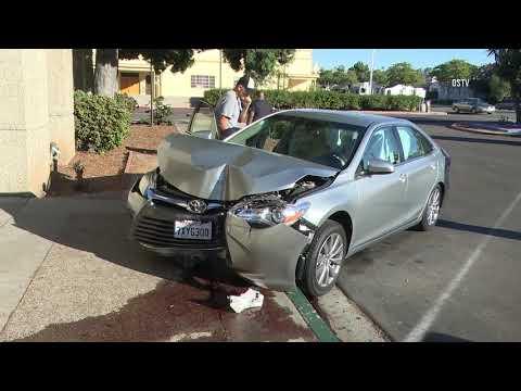 Chula Vista: Car vs Post Office 10202018