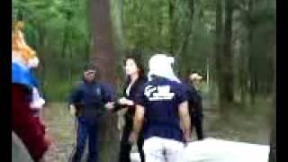 伊藤かずえさんが現場でワイヤーアクションの練習をしている動画。