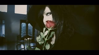 "Femme Fatale ""Voyage"" (Official Music Video)"