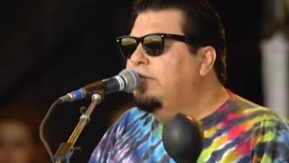 Watch Los Lobos Mexico Americano video