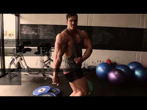 Strong Lift Wear  + Calum Von Moger - Mr  Universe ( Arnold 2.0 ? )