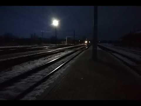 Электропоезд ЭР2Т-7106 сообщением #6446 Лиман-Харьков Левада прибывает на станцию Изюм