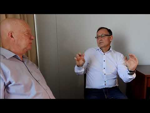 """TALKING SALES 208   """"Applying Social Selling in the Buying Journey"""" - Loic Simon"""