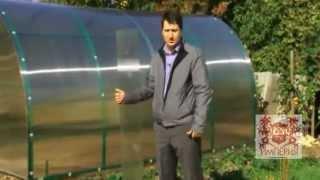 Правильный монтаж теплицы из сотового поликарбоната(Интернет ресурс: www.2dum.ru Данное видео поможет Вам, подобрать качественную теплицу с надежным каркасом, долго..., 2013-02-24T14:48:09.000Z)